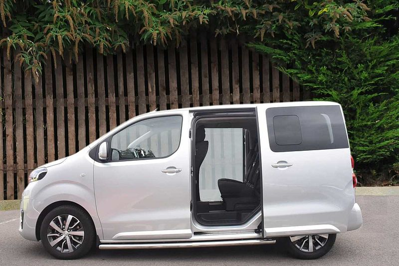 toyota proace verso family compact 2 0d used vehicle by. Black Bedroom Furniture Sets. Home Design Ideas