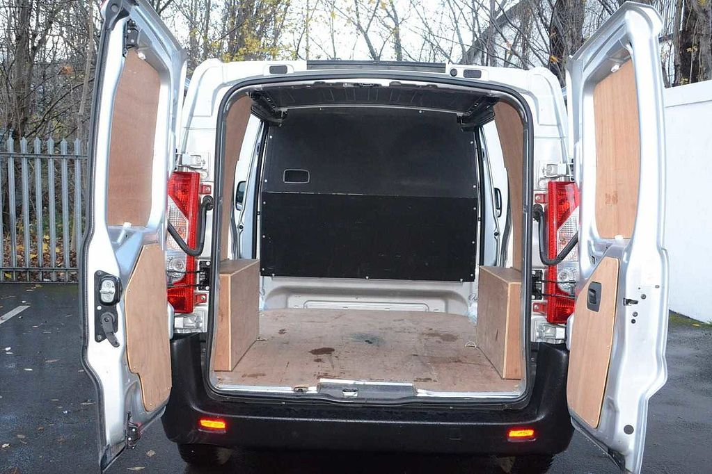 used toyota proace used toyota vans toyota plus. Black Bedroom Furniture Sets. Home Design Ideas