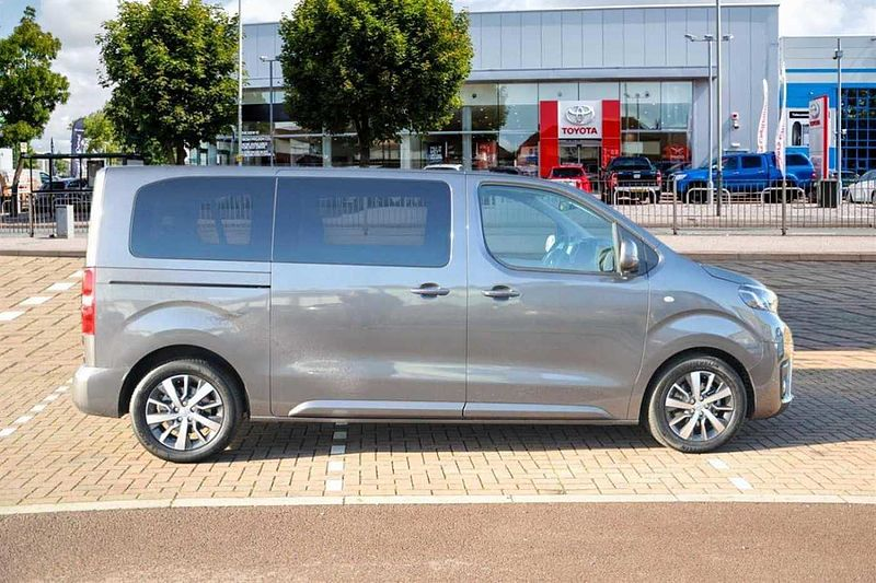 toyota proace verso family l1 2 0m 150hp used vehicle by. Black Bedroom Furniture Sets. Home Design Ideas